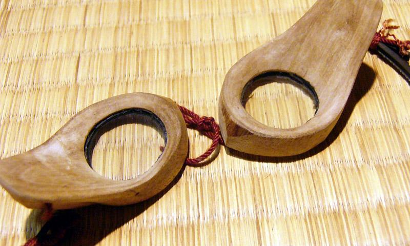 Очки, выставленные в музее Уминтю Кобо
