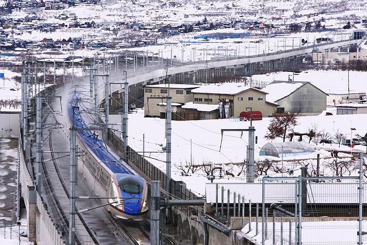 Сверхскоростной поезд синкансэн
