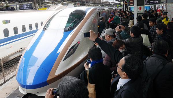 Сверхскоростной поезд до Канадзавы