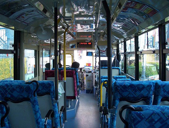 Автобус, вид из салона