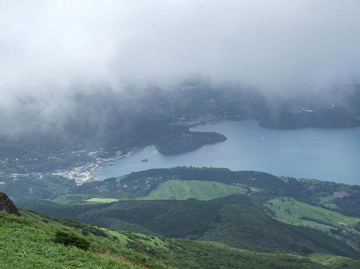 Озеро Аси и причал в Хаконе
