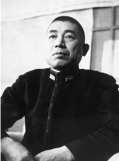 вице-адмирал Такидзиро Ониси, отец камикадзэ