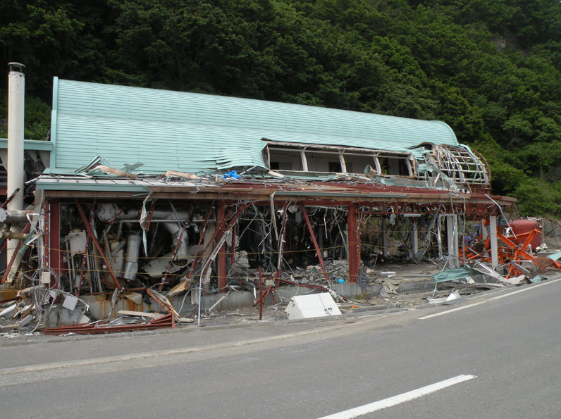 Вид океанариума Могурампиа после цунами (июль 2011 года)
