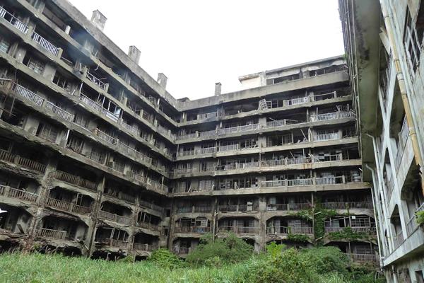 Руины шахтёрского поселка