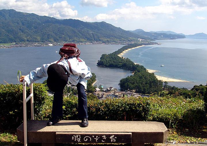 Мата-нодзоки — особый способ посмотреть на мост в небеса