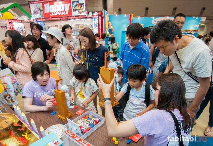 Выставка игрушек в Токио, остров Одайба